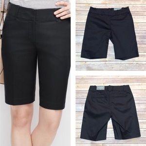 Ann Taylor Black Bermuda Shorts Size 2